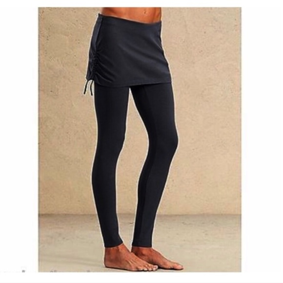 e937f5a7a8bc69 Athleta Skirted Yoga Pants Leggings 2 in 1. M_5b789a18800deea9742980d1